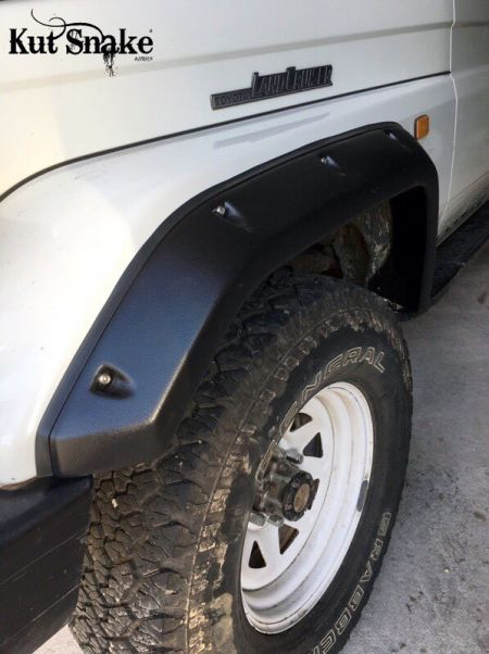 Kut Snake fender flares Toyota Land Cruiser serie 70 front pieces